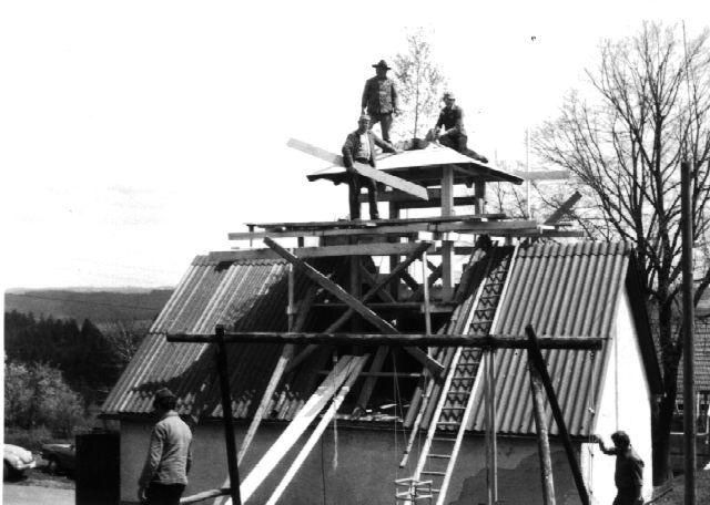 LG Oberehesberg: Bau des Glockenturms 1983